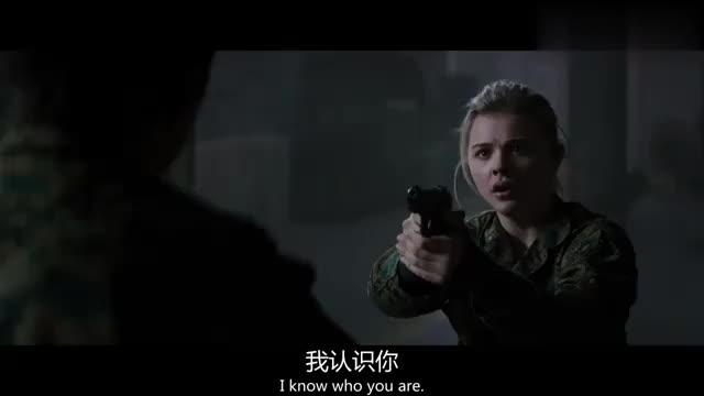 电影:美女还真是个格斗天才,这一波夺枪反秀太高明!