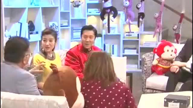 王刚女儿王婷爆料,父亲太喜欢瓷器,甚至和瓷器们一起洗过澡