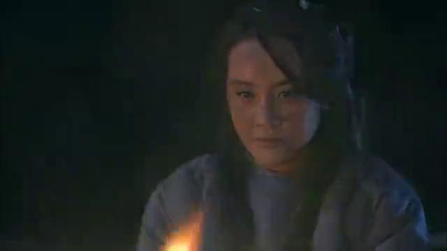 娜塔莎:女护士刚救男孩离开细菌部队,下一秒就要勒死男孩殉情!