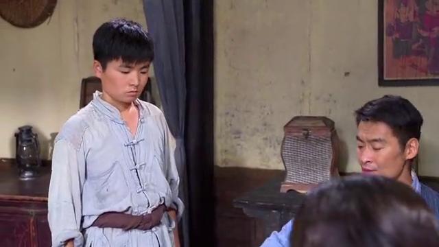 秦汉顶撞李团长,董云清下厨做饭,碰见部队。