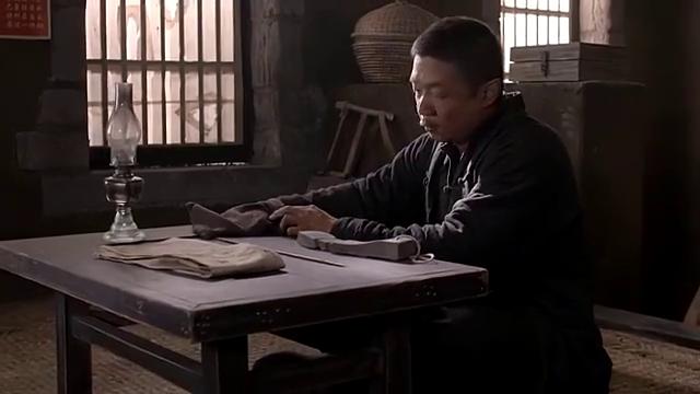 老农民:老干棒被韩美丽活活逼死,没想他磨完所有刀,直接跳黄河