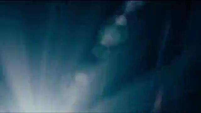 蚁人1:幸运的是,斯科特从亚原子级回来了,兴奋的拥抱女儿