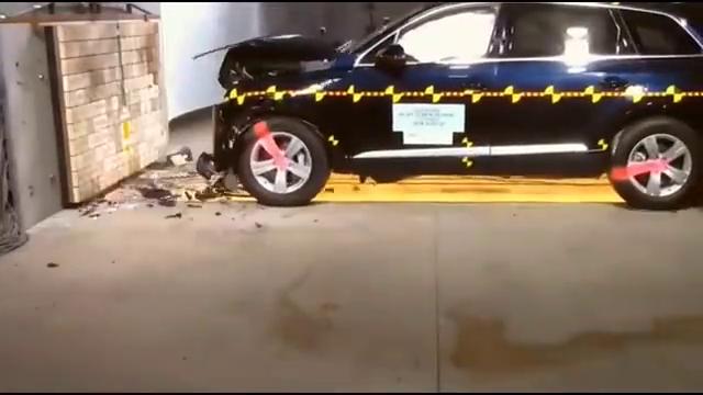 视频:奥迪Q7做了一个碰撞测试,我才明白什么叫做德国制造