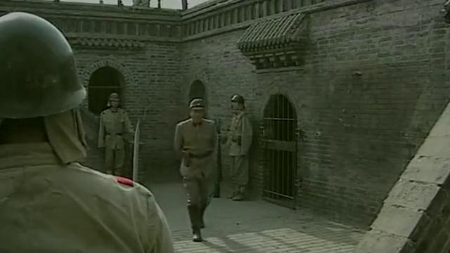 追杀横路靖六-多个鬼子们严刑拷打八路军战士,但是他就是不说