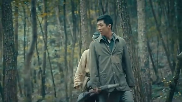 刘洲成不见了踪影,但是部队要在天黑之前赶到别处