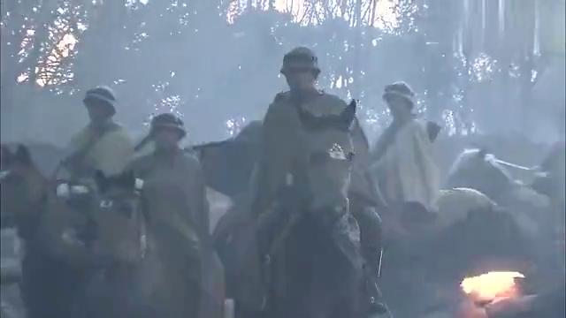 鬼子骑兵围剿八路军,骑兵排长奉命阻击,刚要冲锋鬼子怂了