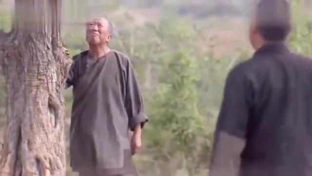 老农民捧了一把土,跟儿子相视一笑,一会就吐血身亡