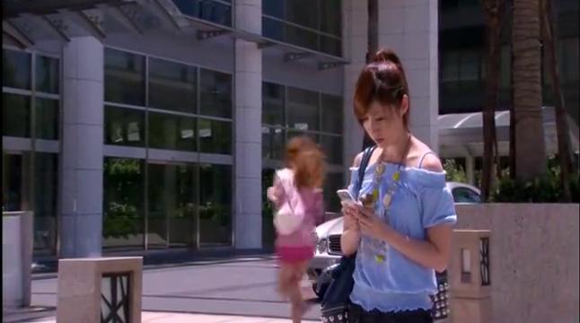 美女没赶上试镜,哪知意外被大牌明星看上,成为最新MV的女主角