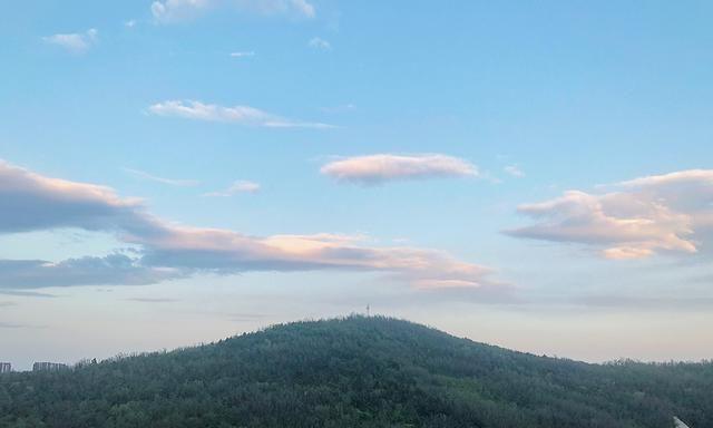 看到灿烂的落日余晖,才懂得鞍山玉佛山真是城市绿肺天然氧吧