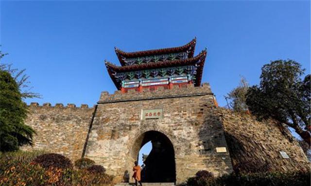 陕西这座深山老城,是保存最完整的古城,神秘传统习俗保存上千年