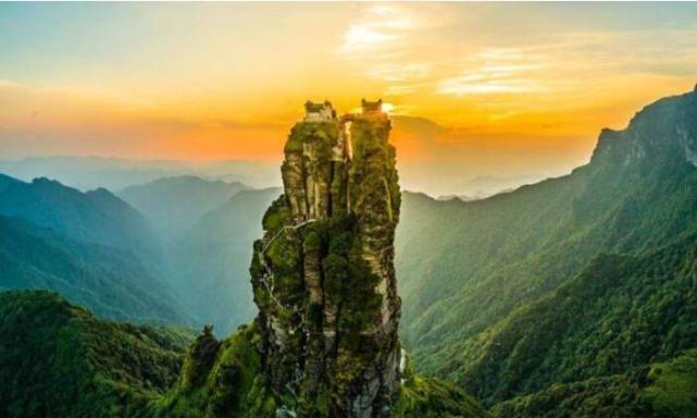我国建造在山顶的两处寺庙,历经千年不倒,工匠的技艺令人折服