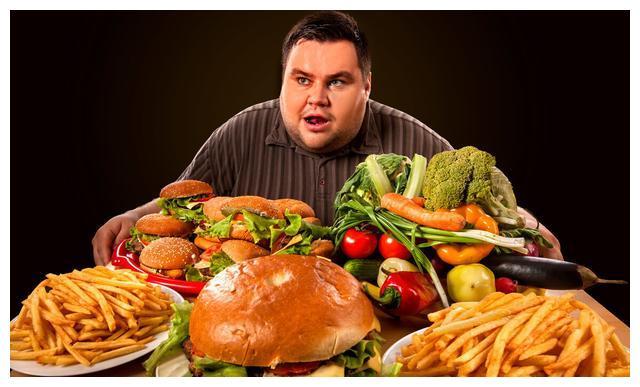 夏季饮食需谨慎,这3种不健康食物要拒绝,小心吃坏身体