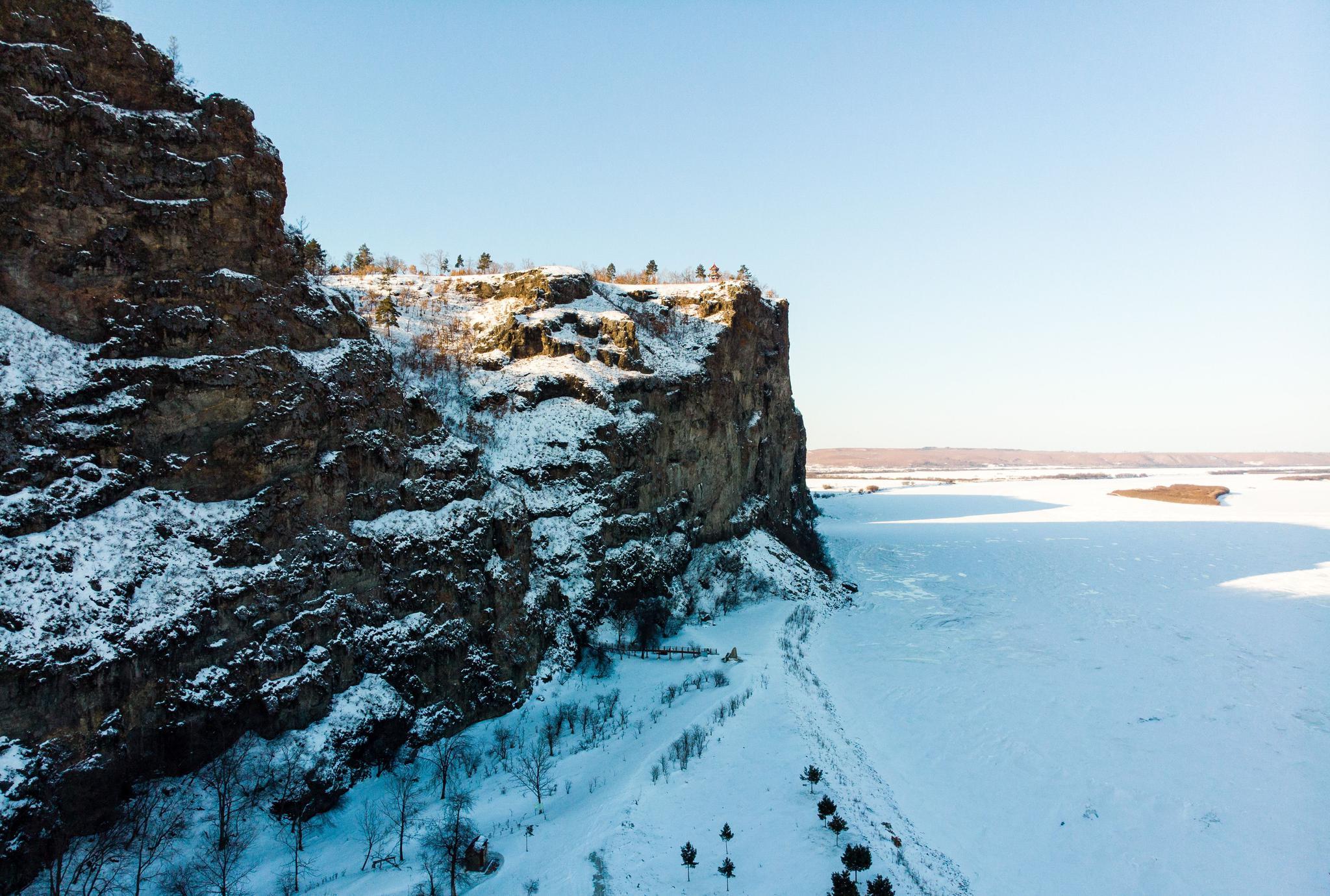 三月,白雪皑皑的大兴安岭,千里冰封的黑龙江