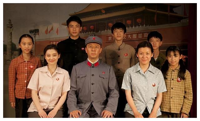演员刘琳晒照罕秀恩爱,与张黎分手后嫁圈外男,丈夫身份至今是谜