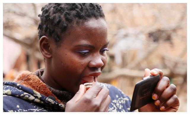 45岁河南农民娶小18岁非洲媳妇!婆婆狂赞:能生能养会干活!