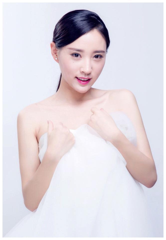 90后女演员衣妍婷,清新靓丽,乖巧可人