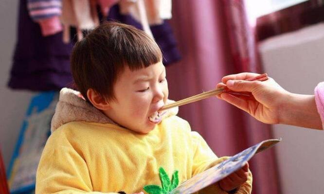 经验分享:健脾胃不积食,记住4招,孩子长个长肉胃口好