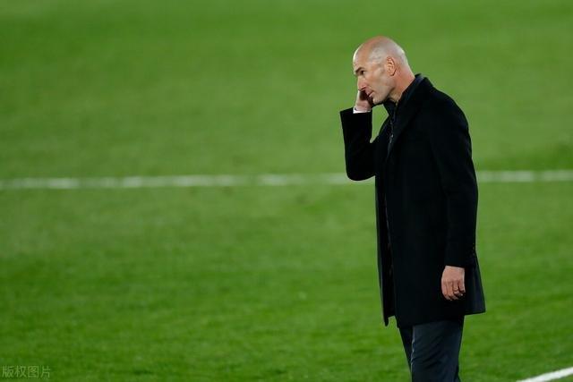 皇马巴萨同时无人入选最佳候选连场双响新C罗夺西甲月最佳