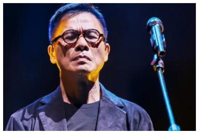 音乐教父出道47年终谢幕,演唱会无人问津,亏损百万落寞收场