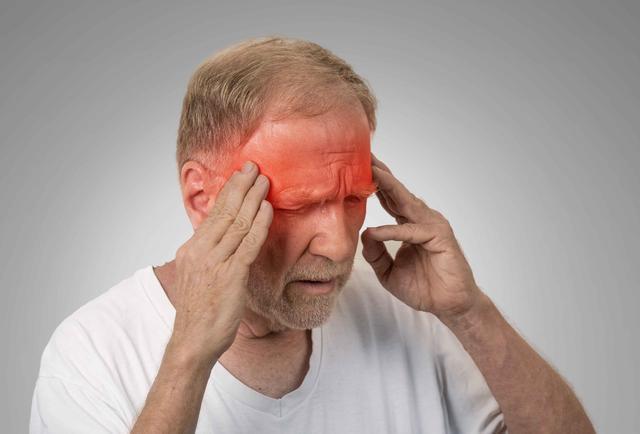 头痛也是疾病的信号?提醒:6个祸首,有的可不是小事,需警惕