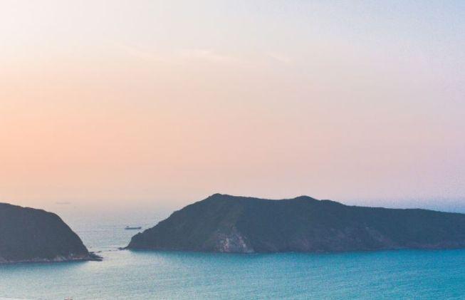 爬斧担山登高望远,在南沙湾戏水游泳,看历史遗迹!