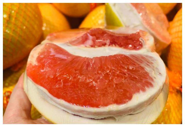 买柚子,挑尖的还是圆的?谨记6买6不买,保证个个皮薄肉多水分足
