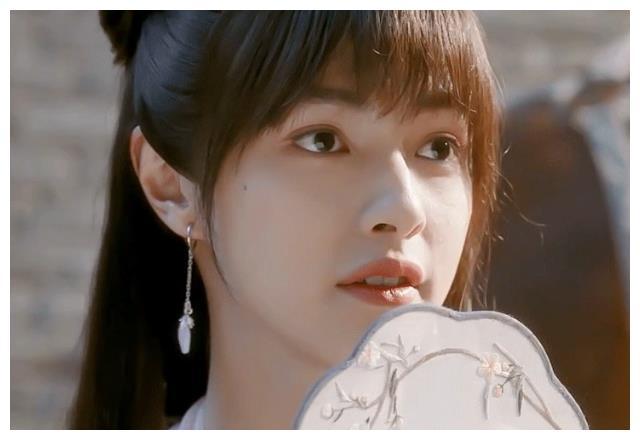 影视作品当中的男扮女装,官鸿许凯陈飞宇,你被谁惊艳到了