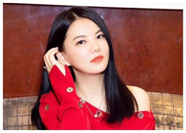 因为女儿,李湘无奈辞掉跟了她16年的保姆,还难过地哭了一夜