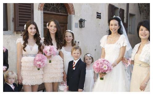 和冯德伦分道扬镳后,远嫁德国男人甘做三个孩子的后妈,结婚6年