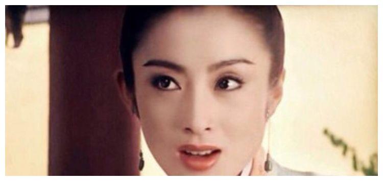"""她是最美""""星女郎"""",50岁近照曝光,如今变化太大完全认不出!"""