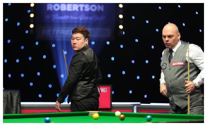 中国名将狂轰100+94+63+88,颜丙涛5-4赢赛点,冠军目标近了