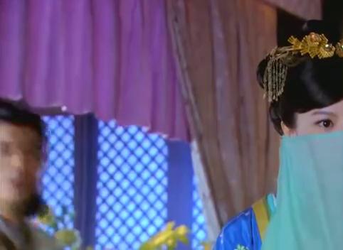 夫人额头有疤却戴个面纱,怎么也遮不住啊,网友:这面纱干嘛的?