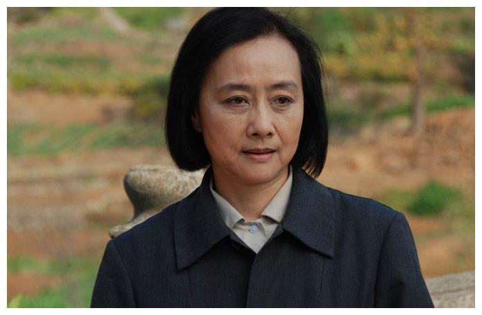 老戏骨嫁给著名演员金鑫,结婚38年恩爱至今,儿子还是著名导演