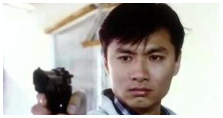 他是香港美少年,林青霞追求他遭拒绝,晚年破产后家庭破裂