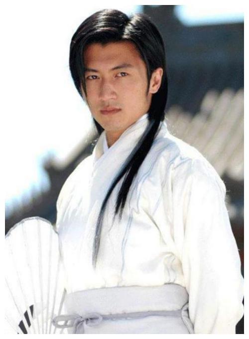 白衣翩翩的古装男神,罗云熙、朱一龙、于朦胧,你最喜欢谁?