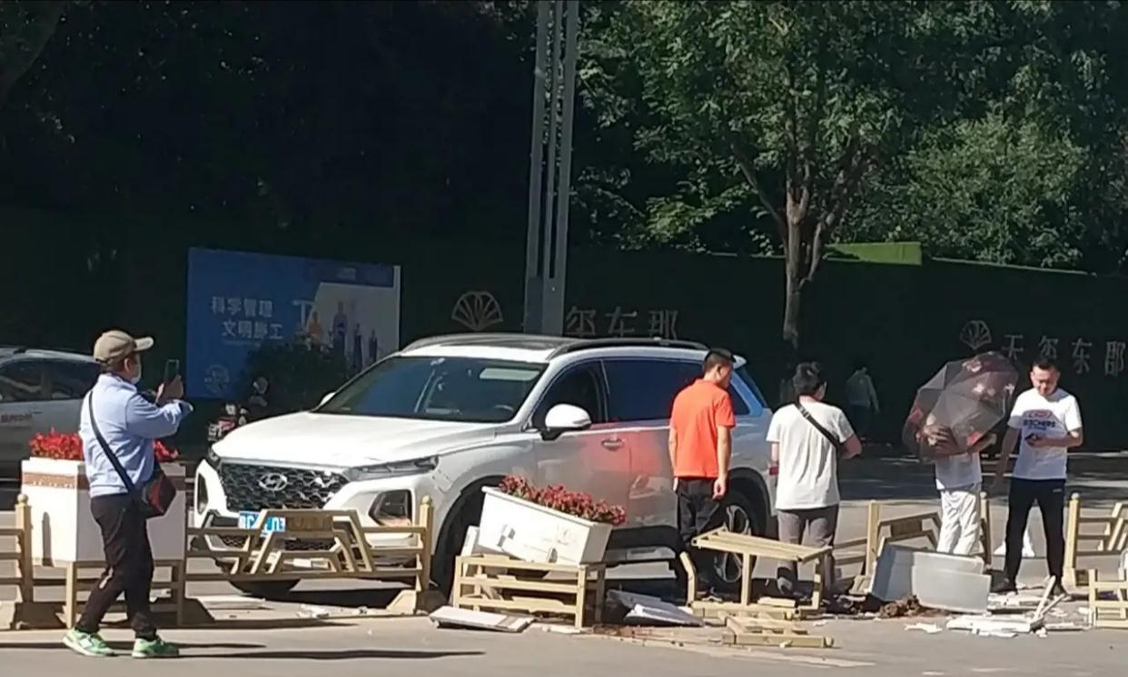宝鸡天玺路与滨河大道附近发生一起事故