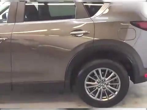 视频:2020款马自达CX5入库实拍,按下钥匙打开后备箱,惊艳到我了!