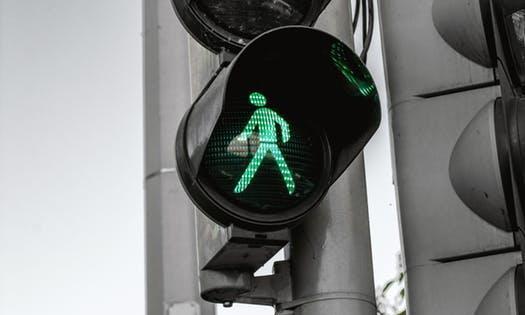 交通事故双方都有责任,该怎么处理?