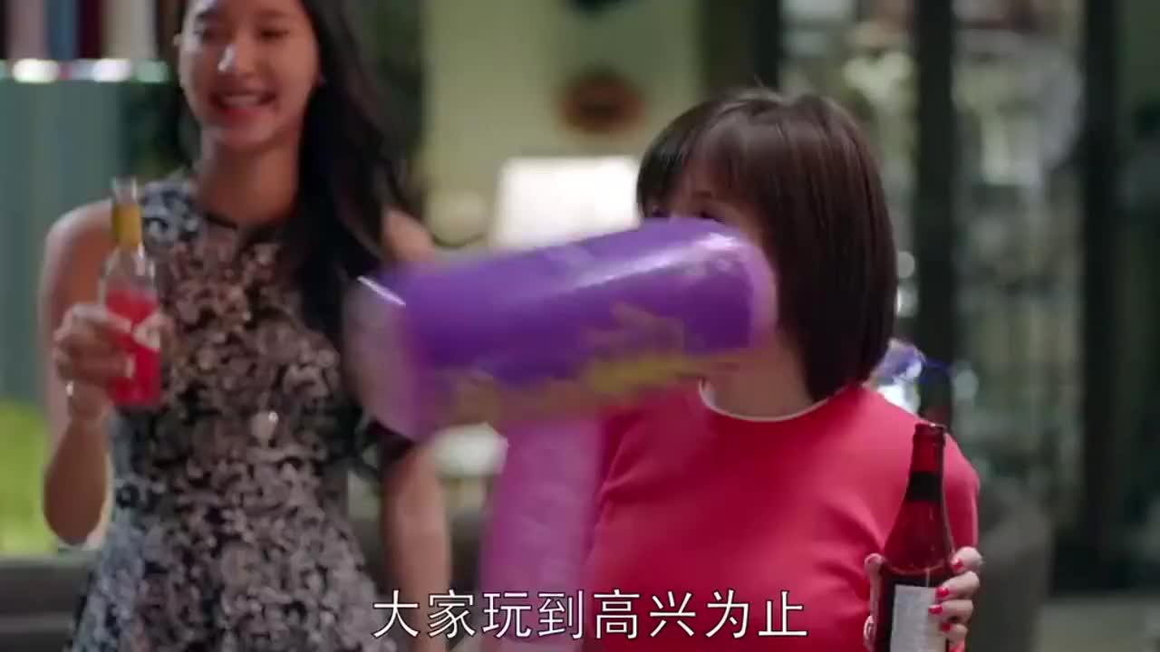 学霸骂人就是不一样中文骂完英文接着骂,骂的富家女颜面扫地