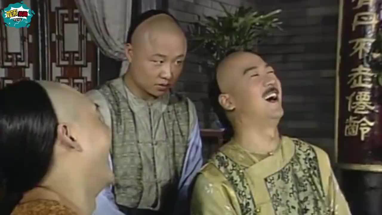 50岁赵亮近照娶小16岁模特恩爱9年并隐居深山喂鸡生活