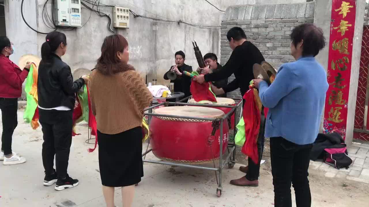 河南农村老家办白事精彩的唢呐锣鼓与铜器演奏老乡们都很爱听