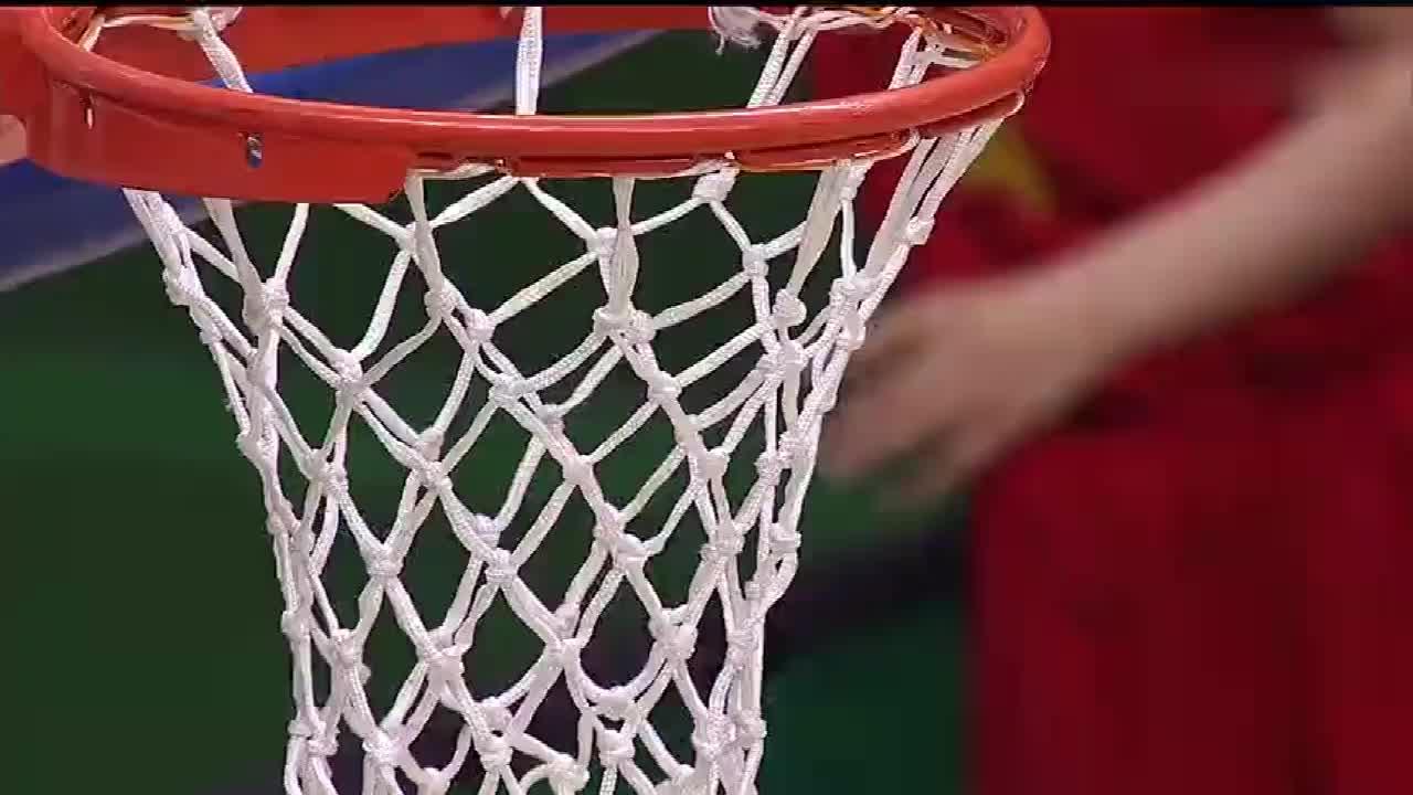 亚洲杯:中国女篮70-69澳大利亚,邵婷绝命上篮王思雨致胜抢断