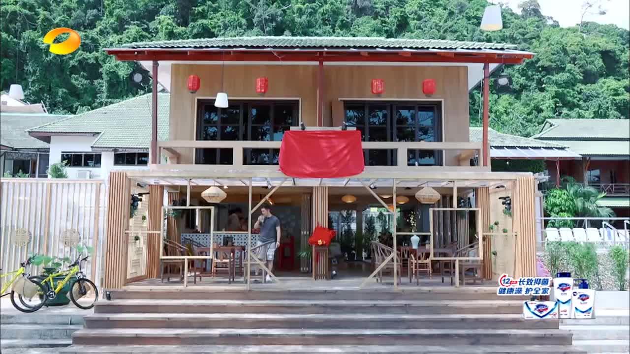 中餐厅:黄晓明最强销售,竟然见面就发礼物,成功俘获老外的心!