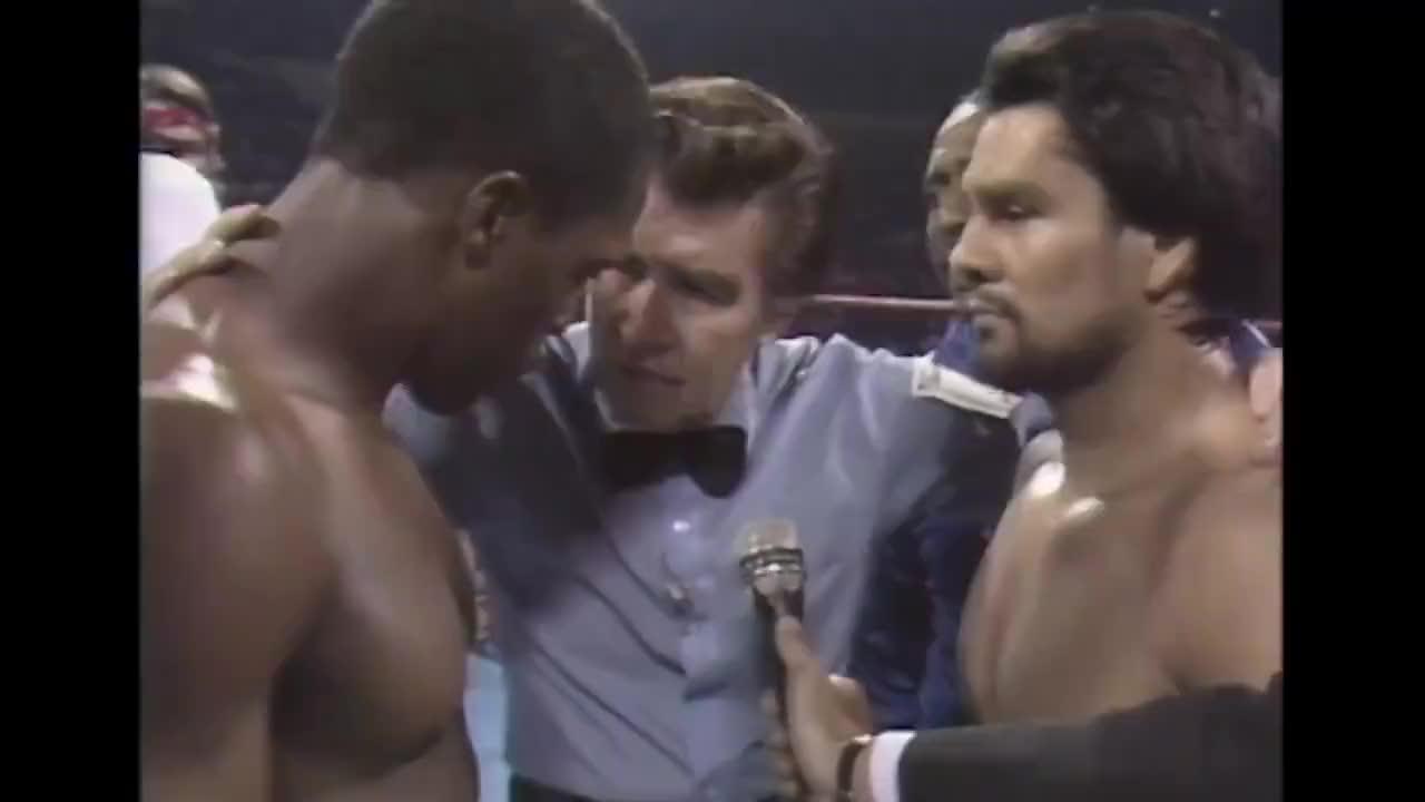 重温中量级经典对决,石拳杜兰八回合KO穆勒成为三个级别拳王