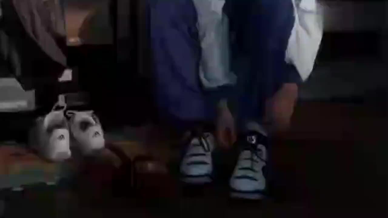 继父骂儿子穿上千的鞋浪费,不料儿子:你给你女儿花六万才浪费