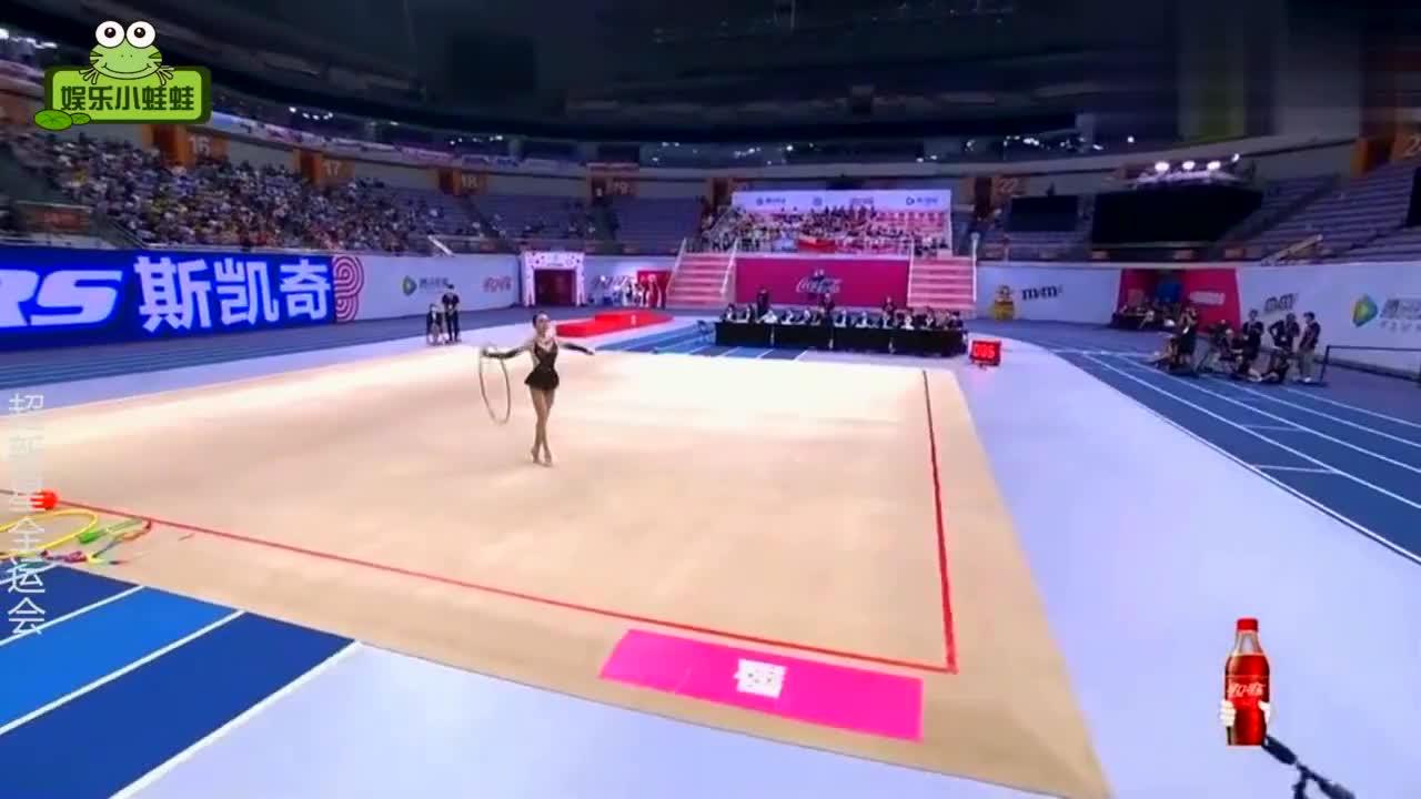明星那些超美体操合集:陈小纭演绎黑天鹅夺冠,不愧是芭蕾舞出身