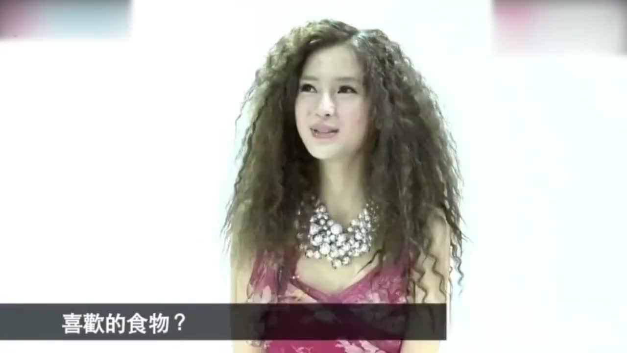 杨颖早年采访的港台腔,发嗲蜜汁口音与如今大不同,前后反差太大