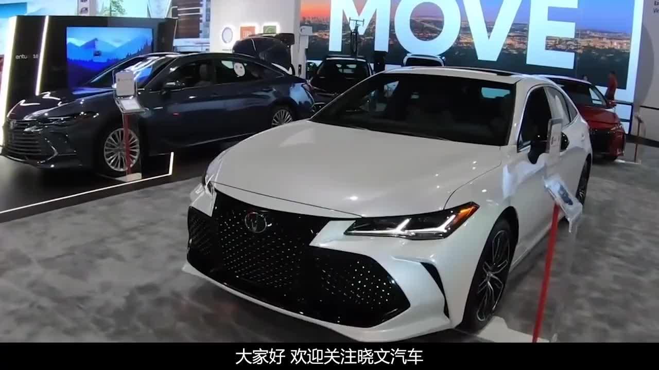 25万买辆亚洲龙车商赠送丰田手表车主将其粘到中控板上