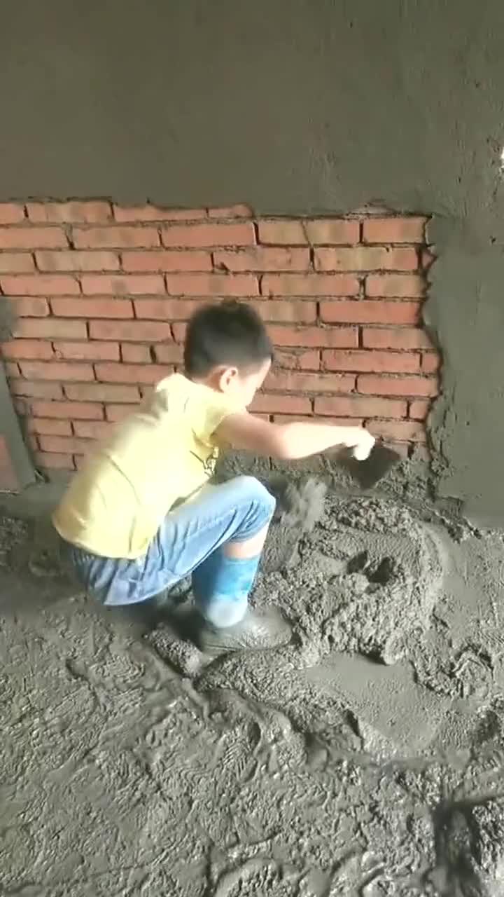 宝贝儿子说,干这个活真的太累啦,真的要好好上学!