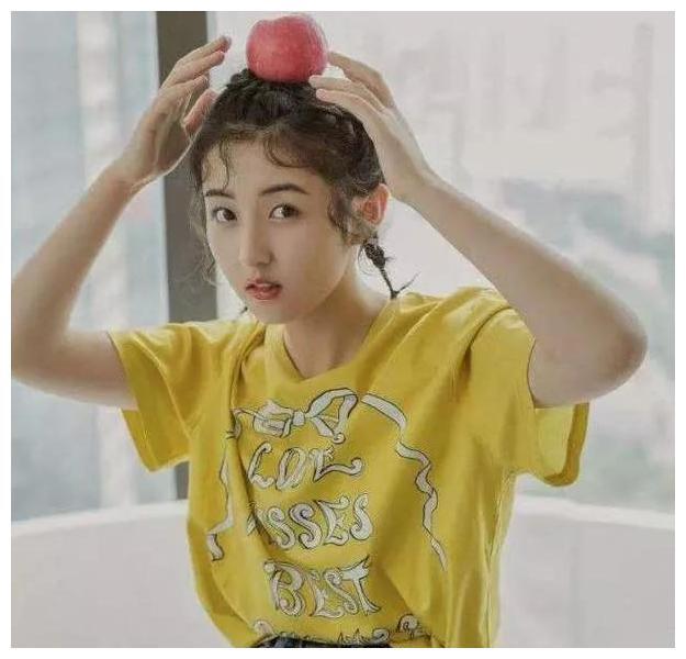 张子枫喜欢了他7年,王俊凯连夸三次他好帅,他长得有多悦目